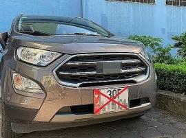 Sẽ xử lý nghiêm các loại xe dán bản đồ Việt Nam không có Trường Sa, Hoàng Sa