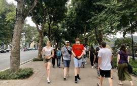 Thủ tướng Nguyễn Xuân Phúc: Chưa thể mở cửa ngay cho khách du lịch