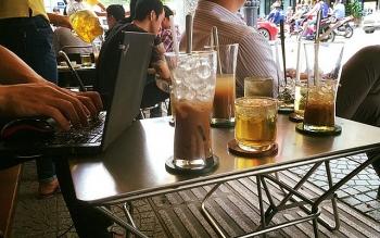 Nhà hàng, quán cà phê tại Hà Nội giãn cách khách hàng từ 0h ngày 19/8