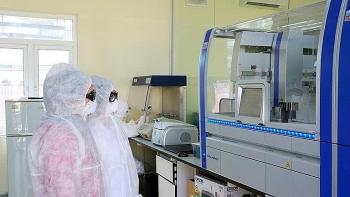 Vụ nâng khống giá máy xét nghiệm: Cựu Giám đốc CDC Hà Nội không thừa nhận việc hưởng 15% hoa hồng