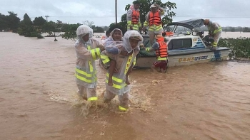 Thủ tướng yêu cầu theo dõi chặt chẽ diễn biến mưa lũ khu vực từ Hà Tĩnh đến Phú Yên