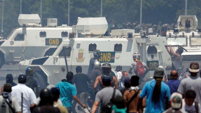 venezuela ve dau khi dao chinh chim xuong