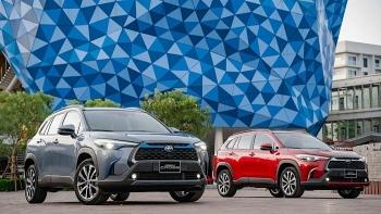 Toyota Corolla Cross 2020: Chọn động cơ xăng hay hybrid?