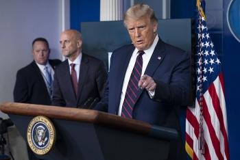 TT Trump phê duyệt khẩn sử dụng huyết tương chữa Covid-19, bất chấp quan ngại từ giới khoa học