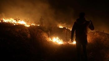 Israel không kích các đồn Hezbollah ở biên giới Lebanon