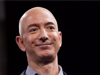 Jeff Bezos giàu nhất thế giới nhờ Covid-19 với hơn 200 tỷ USD, bỏ xa Bill Gates