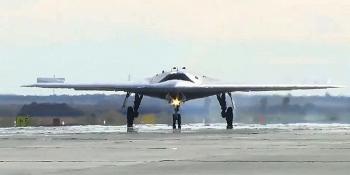 """UAV """"Thợ săn"""" Okhotnik của Nga sẽ chuyển hóa thành tiêm kích đánh chặn tầm xa"""