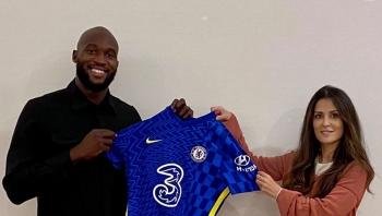Lukaku trở lại Chelsea với mức phí kỉ lục