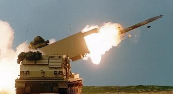 Mỹ bất ngờ tổ chức tập trận bắn đạn thật cách biên giới Nga 110km