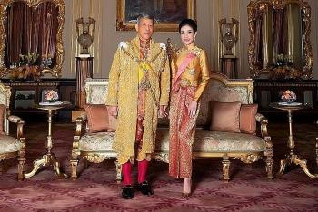 Vua Thái Lan bất ngờ phục vị cho Hoàng quý phi