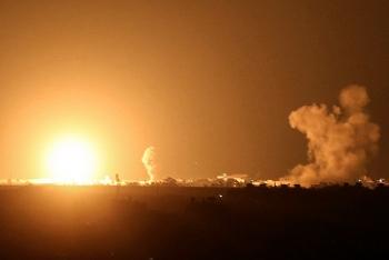 Video: Israel tấn công dải Gaza, trả đũa vụ tấn công tên lửa