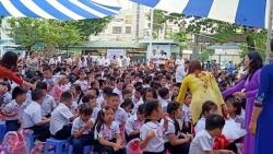 Tránh Covid-19: Địa phương đầu tiên cho học sinh nghỉ hết tháng 3