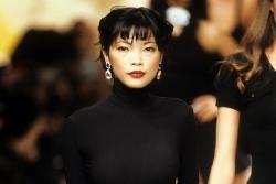 Chân dung siêu mẫu gốc Việt duy nhất từng diễn cho Chanel cùng Naomi Campbell