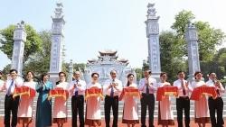 Thủ tướng dự lễ khánh thành Đền thờ gia tiên Chủ tịch Hồ Chí Minh tại Nghệ An