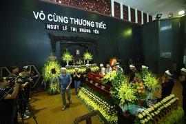 Xuân Bắc cùng nhiều nghệ sĩ đến tiễn biệt NSƯT Hoàng Yến