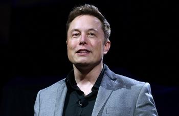 Tesla đánh mất 1/3 giá trị cổ phiếu lần thứ 3 trong năm