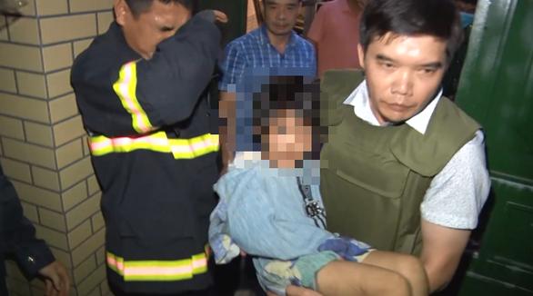 Bắt người bố bạo hành dã man con gái 6 tuổi ở Bắc Ninh