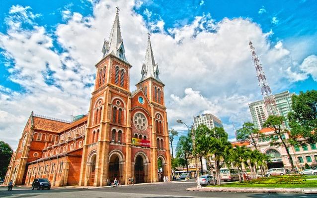 Nhà thờ Đức Bà: Tuyệt tác kiến trúc Pháp giữa lòng Sài Gòn | Thời Đại