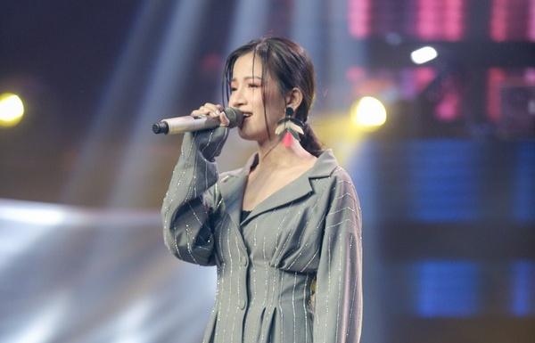 tap 4 the voice 2019 lam bao ngoc khien 4 hlv dao dien bam nut switch tuan hung loai juky san
