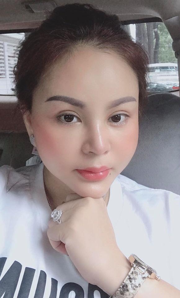 facebook sao viet hom nay 156 akira phan phau thuat tham my sau khi bi che phat tuong dong nhi khoe sac quyen ru
