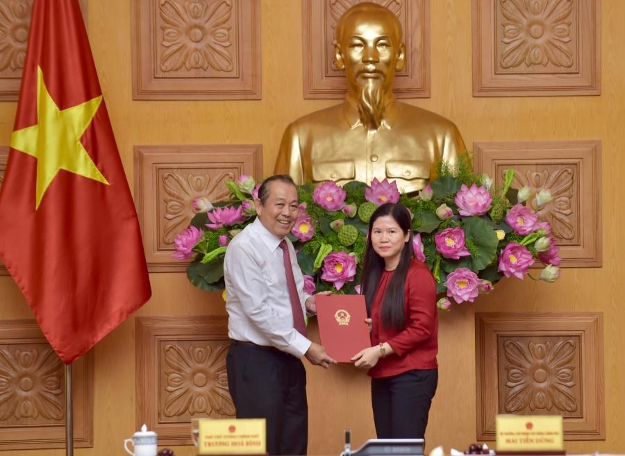 van phong chinh phu co nu pho chu nhiem