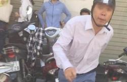 vu hanh hung phu nu o atm phat 25 trieu dong