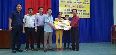 phuc khang corporation mang tam long vang den voi nguoi dan hoc sinh ngheo tai tinh quang nam