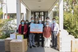Hội Hữu nghị Việt – Pháp TP. HCM; HUFO tặng hơn 23.000 khẩu trang, 100 lít dung dịch sát khuẩn cho người dân Pháp chống COVID-19