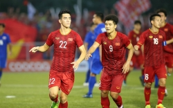 video quang hai bat ngo ra san cung dong doi trong tran gap u22 indonesia