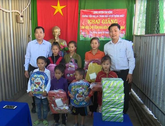 Đồng Tháp tổ chức lớp học cho con em Việt kiều Campuchia