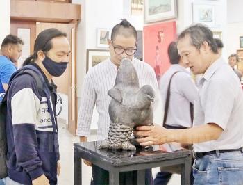TP.HCM: Triển lãm mỹ thuật tình hữu nghị Việt-Ấn gây quỹ cho người bị ảnh hưởng bởi COVID-19