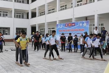 Trao học bổng cho sinh viên Lào, Campuchia Trường Đại học Kiên Giang nhân tết cổ truyền nước bạn