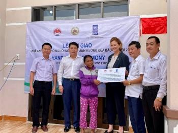 UNDP hỗ trợ xây mới, sửa chữa trên 3.000 căn nhà ứng phó thiên tai cho bà con các tỉnh miền Trung