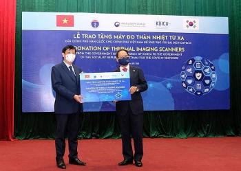 Hàn Quốc hỗ trợ 40 máy đo thân nhiệt từ xa cho Việt Nam