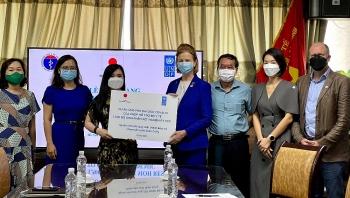 UNDP Việt Nam hỗ trợ Bộ Y tế 1.500 bộ sinh phẩm xét nghiệm RT PCR