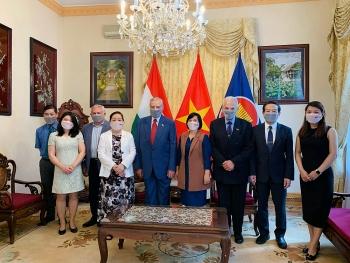 Đại sứ quán và cộng đồng người Việt ở nước ngoài tiếp tục ủng hộ quê hương phòng chống COVID-19