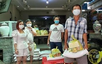 Doanh nghiệp Việt Nam kinh doanh tại Campuchia hỗ trợ người nghèo trong đại dịch COVID-19