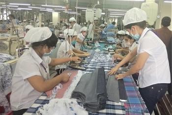 Thành phố Hồ Chí Minh - địa phương đầu tiên tung gói hỗ trợ quy mô lớn cho người lao động bị ảnh hưởng dịch COVID-19