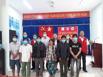 Bàn giao 6 ngôi nhà cho các hộ gia đình Quảng Nam bị ảnh hưởng thiên tai