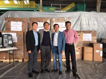 Người Việt Nam tại Hoa Kỳ ủng hộ thiết bị y tế giúp quê hương chống dịch Covid-19