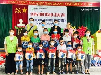 GNI trao quà cho gần 4.000 trẻ em Tuyên Quang có hoàn cảnh khó khăn