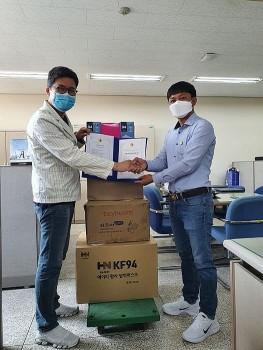 Đại học Nam Seoul (Hàn Quốc) hỗ trợ Việt Nam 1.250.000 Won cùng nhiều nhu yếu phẩm y tế