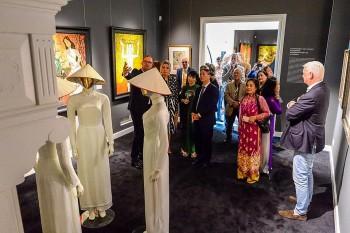 Doanh nhân Hà Lan mở triển lãm giới thiệu tranh của các họa sỹ Việt Nam