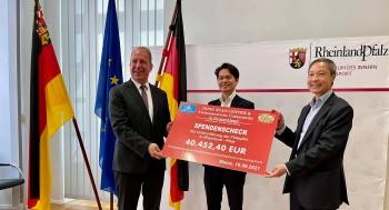 Người Việt tại Đức quyên góp ủng hộ người dân bị bão lụt vùng Tây Nam nước Đức