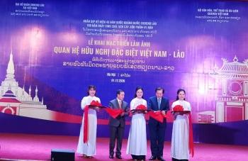100 bức ảnh về quan hệ hữu nghị đặc biệt Việt Nam- Lào
