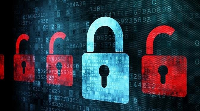 Việt Nam đã và đang bảo vệ quyền con người trên không gian mạng thông qua những luật nào?