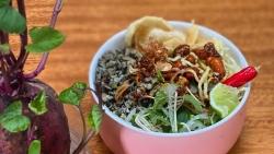 Cơm hến, nem lụi, bún bò và loạt món ngon ở Huế ấn tượng với du khách