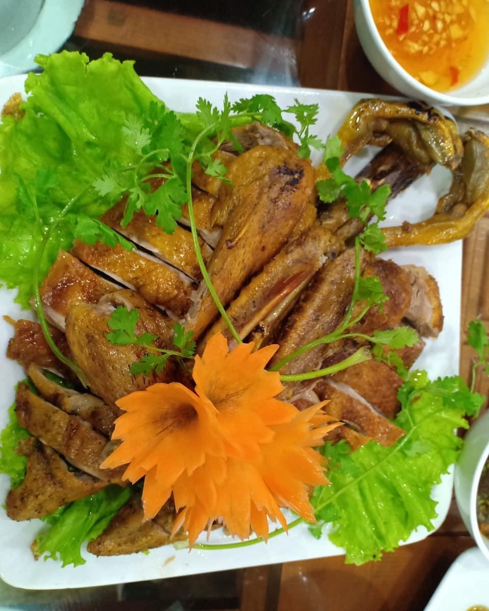 5 dac san cao bang chiem tron tinh cam cua du khach