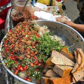 Khách Tây ấn tượng những món ăn ngon ở 3 khu chợ nổi tiếng ở Đà Nắng