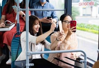 """Háo hức khám phá xe buýt điện đầu tiên tại Việt Nam với những trải nghiệm """"cực chất"""""""